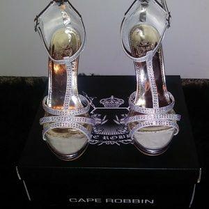 Beautiful silver formal dress sandals